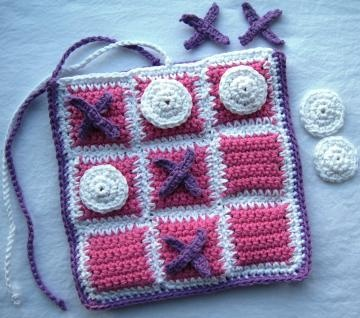 Crocheting Games : Crochet Tic Tac Toe Game Bag #zibbet Crochet Stitches and Tutes P ...