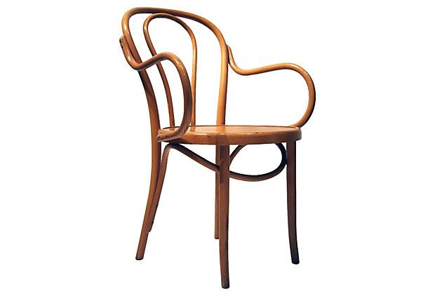 thonet chair on