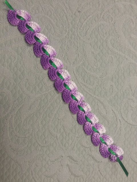 Free Crochet Bookmark Patterns : Cascading Petals Bookmark