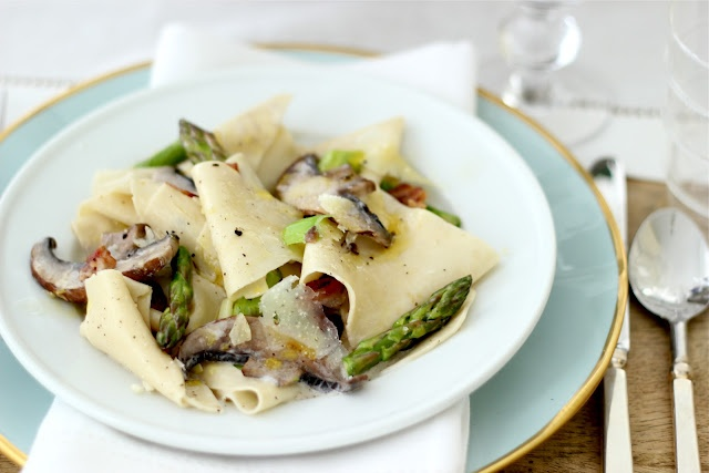 ... pasta - pappardelle with asparagus, leek, mushrooms... and bacon