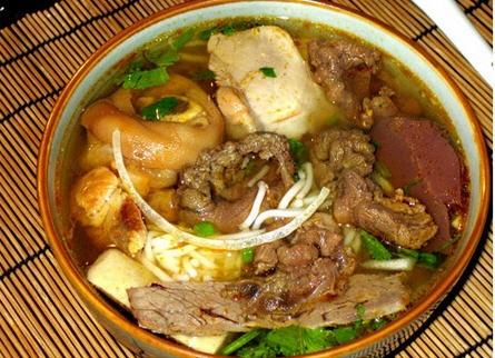 Hue- style beef noodle soup | Vietnamese food | Pinterest