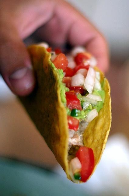 chicken tacos + salsa fresca | Dinners | Pinterest