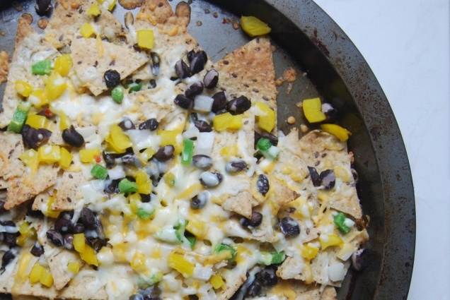 Spicy Black Bean and Jalapenos Nachos | boo for tech there going down ...