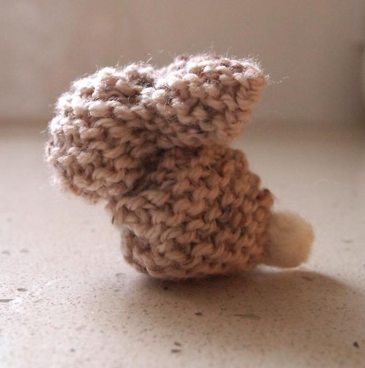 Knitted Bunnies Free Pattern : Free pattern - knitted bunny knitting: Toy Pinterest