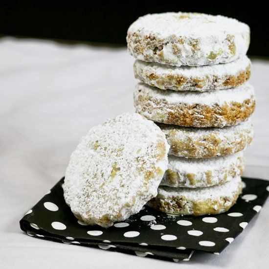 These gluten free shortbread cookies are melt in your mouth good with ...