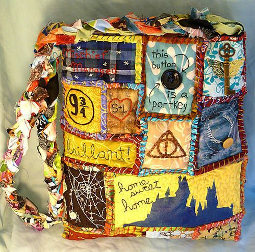 Ultimate HP Fan Gift: Teesha Moore Harry Potter bag - would love this as a bag or as a wall hanging--it's a piece of art!