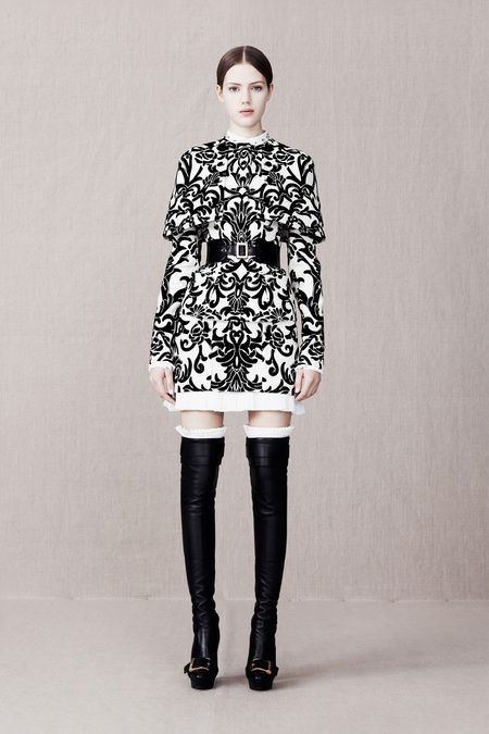 Toya's Tales: What Will Catch My Eye?: Alexander McQueen - My Top 5 Faves From PRE-Fall 2013 toyastales.blogspot.com