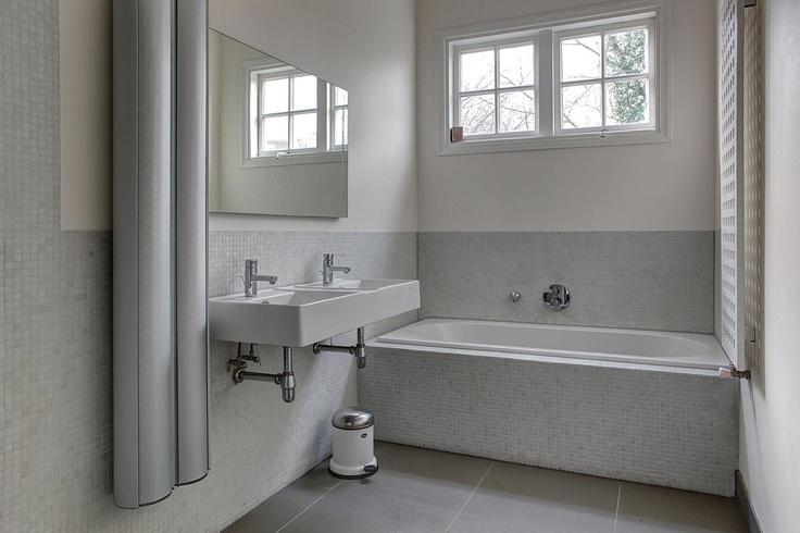 Strakke badkamer - Churchilllaan Haarlem  Moodboard: badkamers  Pin ...