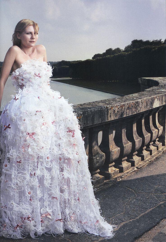 Kirsten Dunst - Vogue by Annie Leibovitz, September 2006