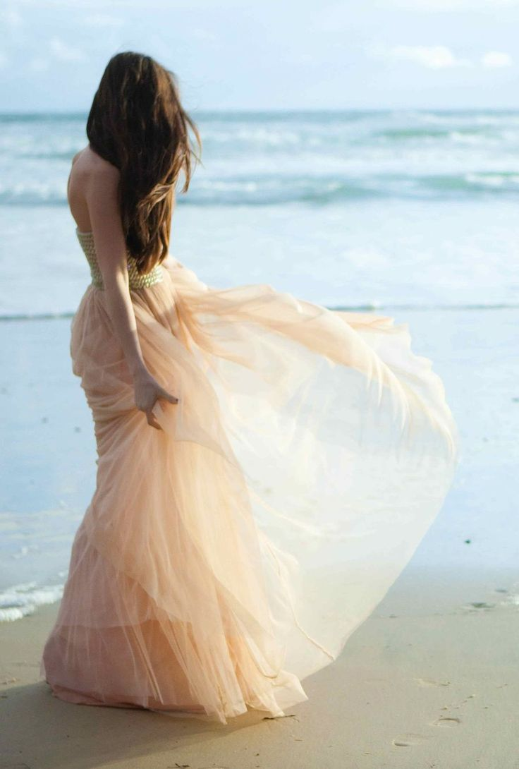 Peach Dress on the Beach #blue #pink #romantic #tulle #camillestyles