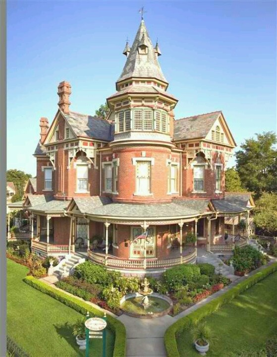 Amazing Victorian House Architecture And Decor Pinterest