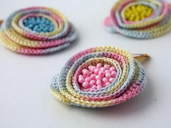 Crochet Hair Clips Pinterest : Crochet hair clips - so sweet!
