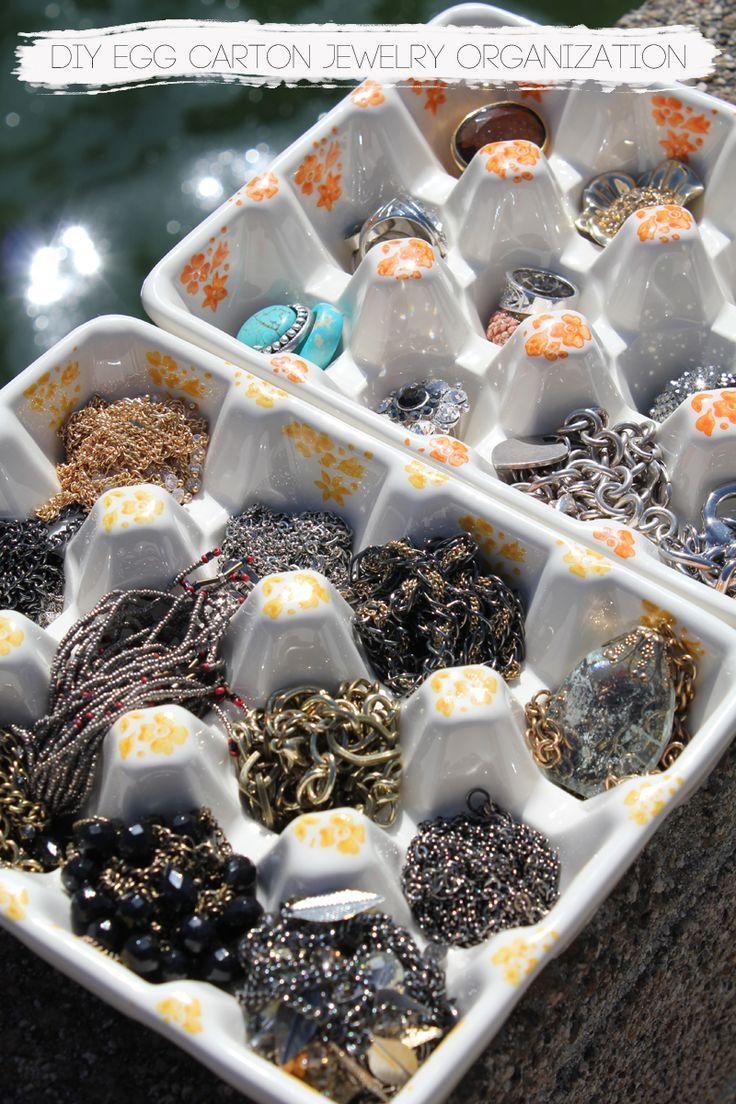 DailyBuzz Style - DIY Egg Carton Jewelry Organization | The Kina's