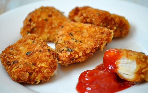 Crispy homemade chicken nuggets | Cooking Away | Pinterest