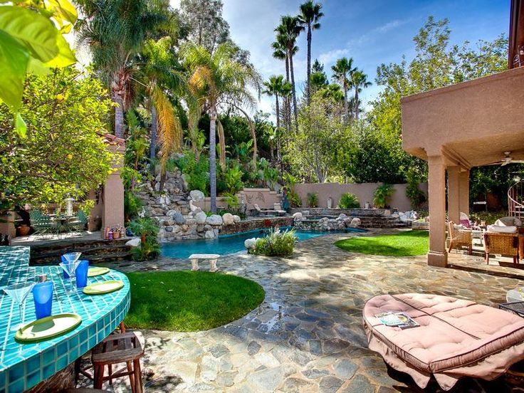 Tropical Backyard Landscape Ideas