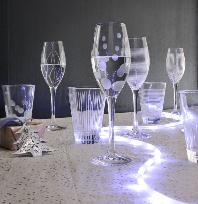 Pin decoration verres flutes champagne maries mariage - Decoration table des maries ...