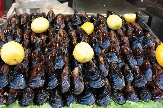 Stuffed mussels in Istanbul. | Inspirations | Pinterest
