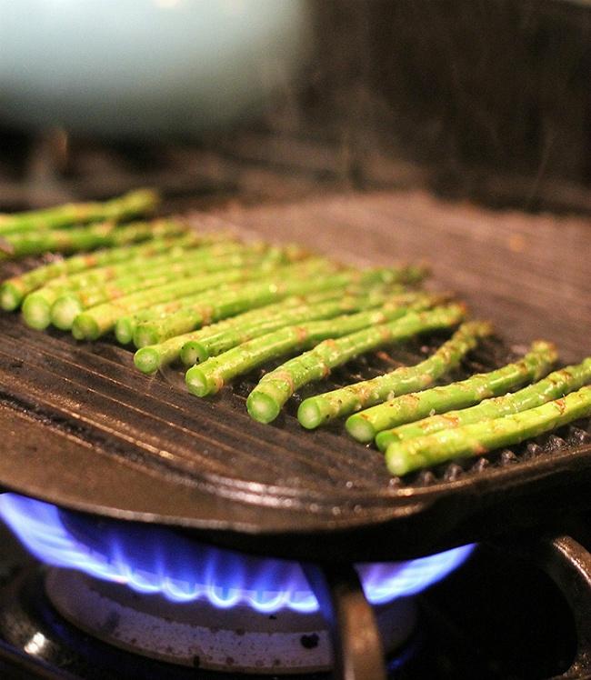 goat cheese, lemon, and asparagus pasta | Lotsa Pasta | Pinterest