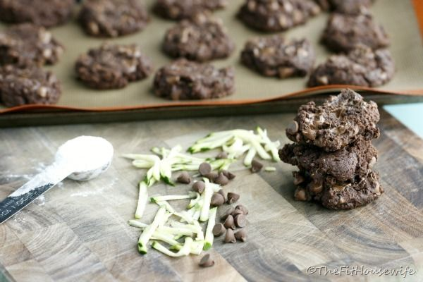 The Fit Housewife: Chocolate Fudge Zucchini Cookies