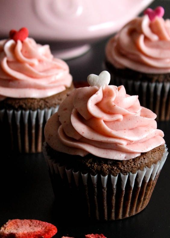 Nutella Cupcakes with Strawberry Cream Cheese Frosting - http ...