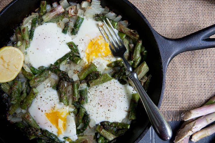 mushroom and asparagus eggs benedict asparagus and fried eggs on ...