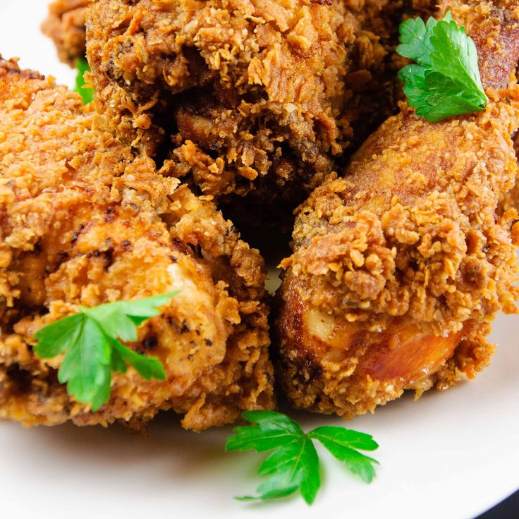 Buttermilk Fried Chicken- Th absolute best way to cook fried chicken!