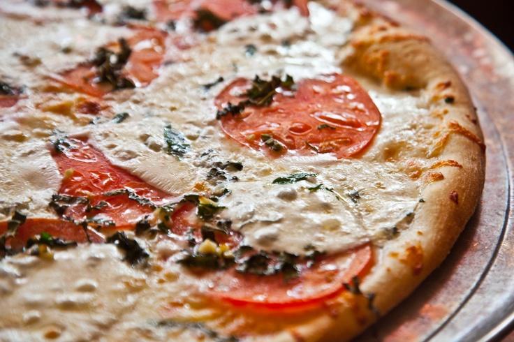 Tomato Basil Pizza   空間 - Dart N Bar   Pinterest