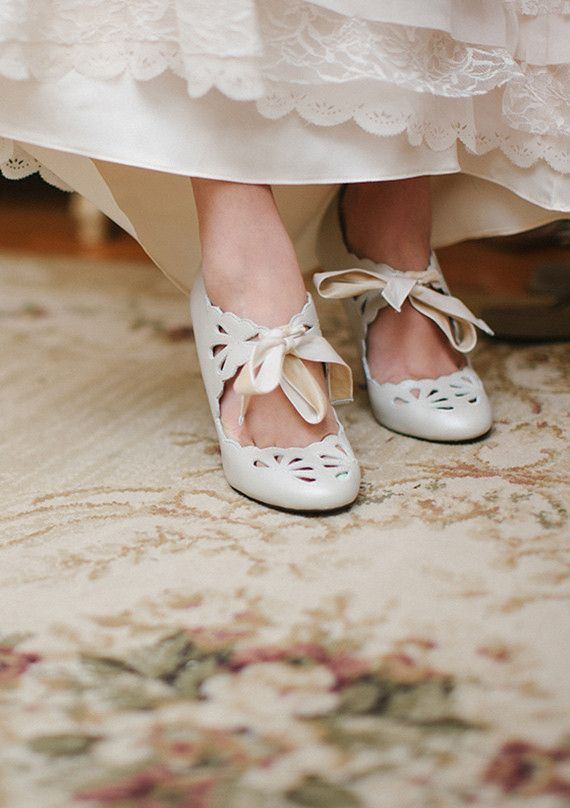 Such beautiful shoes...they would be perfect for a vintage style