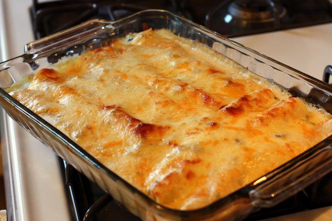 Sabby In Suburbia: Pinterest Cooking :: White Chicken Enchiladas