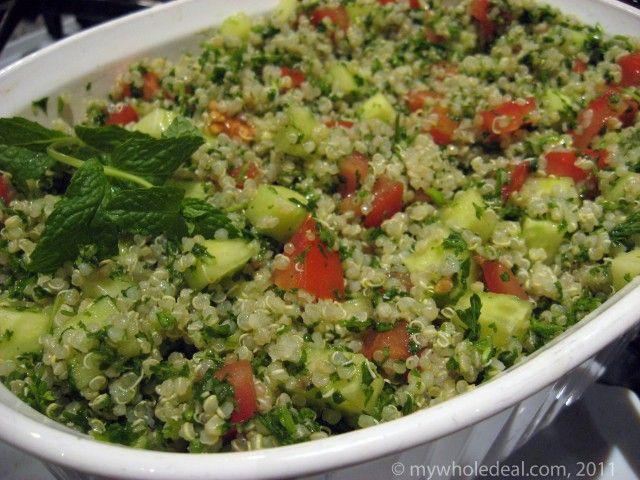 Tabouleh van couscous met munt, basicilicum, komkommer, ertwtjes ...