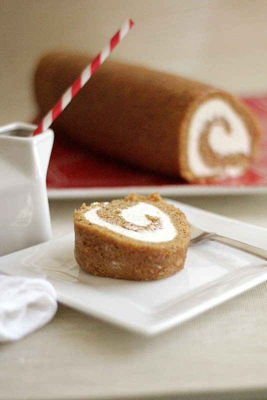 this needs to be made asap! pumpkin rolls with cream cheeeeze filling!