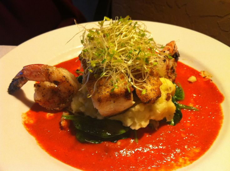 Roasted Prawns with Spinach Mashed Potatoes and Red Pepper Sauce | Re ...