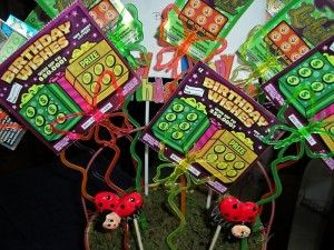 Lottery ticket bouquet | Gift ideas | Pinterest