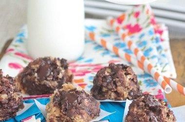 No-Bake Biscoff Chocolate Chunk Cookies — Punchfork