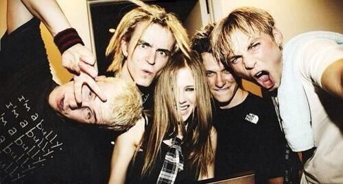 avril lavigne dating band member Fan base: avril lavigne - base basically, general avril talk i guess it can include album and single discussion but that's mainly for the threads in.