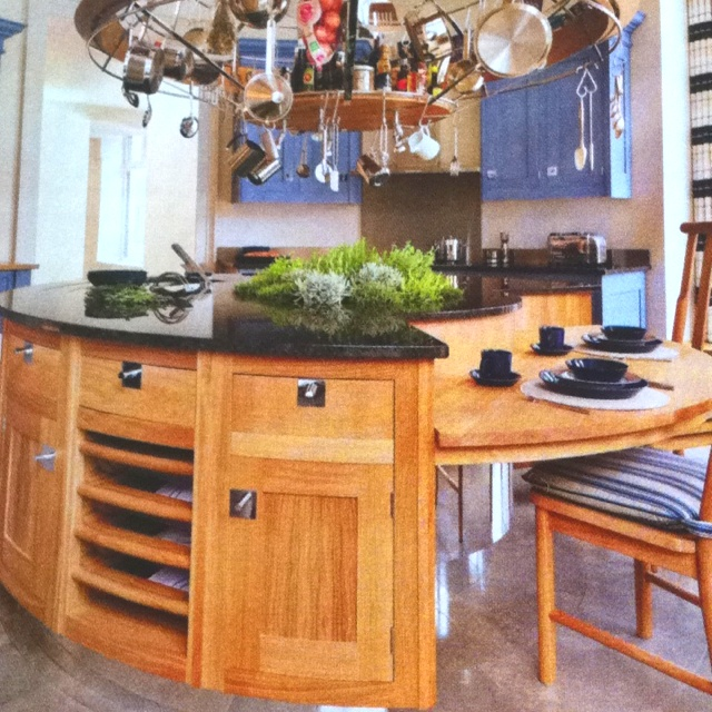 lovely circular island kitchen pretty cottage pinterest 25 best ideas about round kitchen island on pinterest