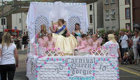 Pin by margaret vernon on carnival float pinterest for Princess float ideas