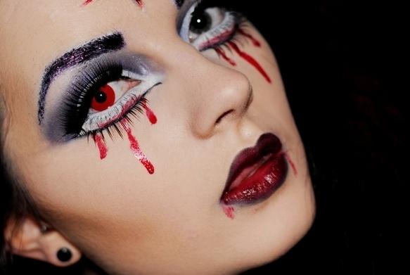 halloween bloody eye makeup