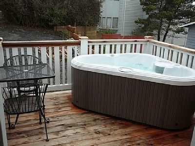 Small Hot Tub On Deck Garden 39 S Patio 39 S With Hot Tub