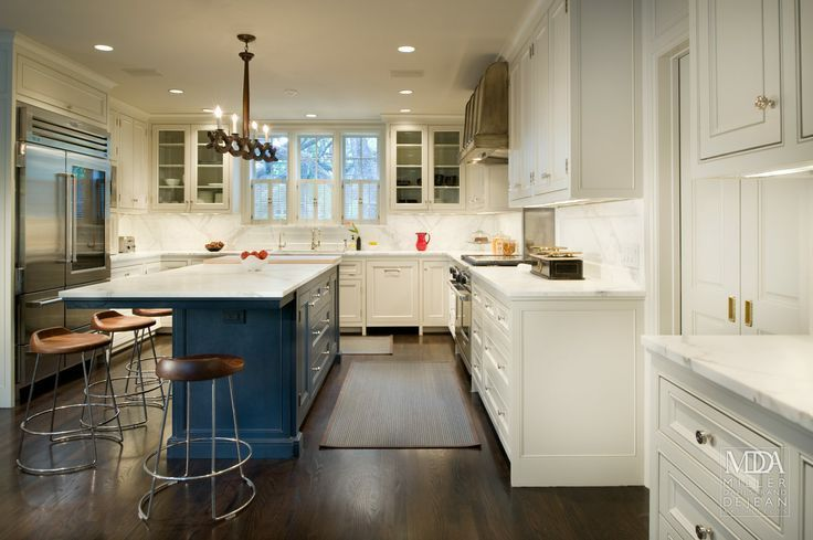Navy Blue Kitchen Islands ? Classic or Trendy?