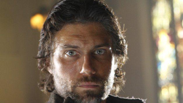 Anson Mount as Cullen Bohannon