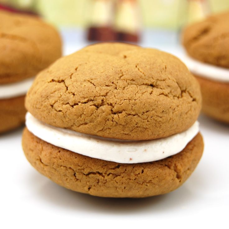Sweet Pea's Kitchen » Gingerbread Whoopie Pies with Eggnog Filling to ...