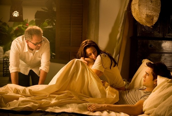 'Breaking Dawn - Part 1' deleted scene of Bella and Edward ...