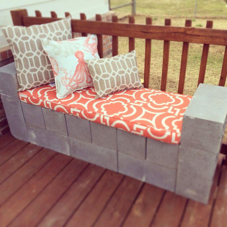 Diy cinder block bench so easy patio ideas pinterest for Sofa exterior de obra