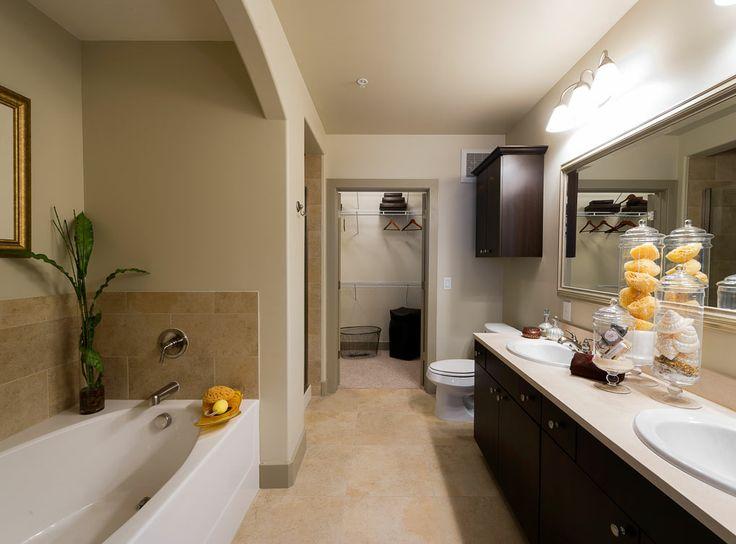 bathroom at amli river oaks a luxury apartment community in houston