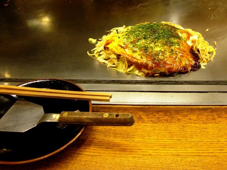 Okonomiyaki, Hiroshima style! | Que comer YUMMY | Pinterest