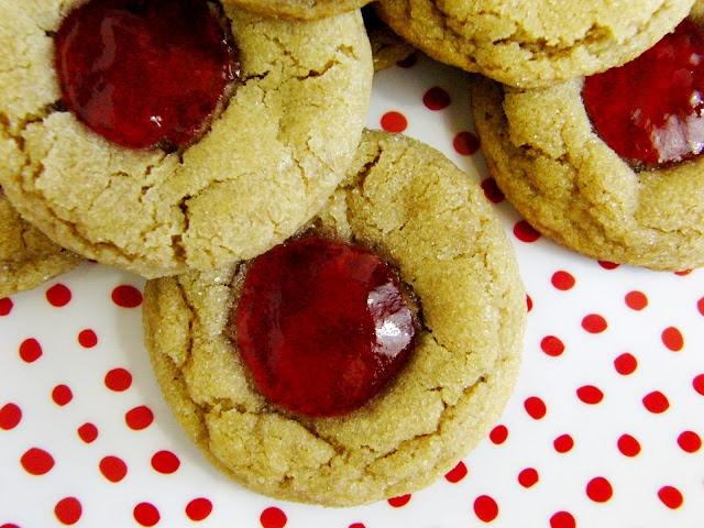 PB&J Thumbprint Cookies | Cookies | Pinterest