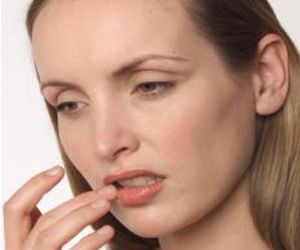 what are the symptoms to herpes type 2