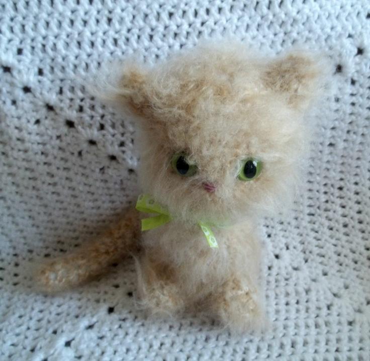 Amigurumi Tabby Cat : Crochet Amigurumi Cat - Beige Tabby Cat