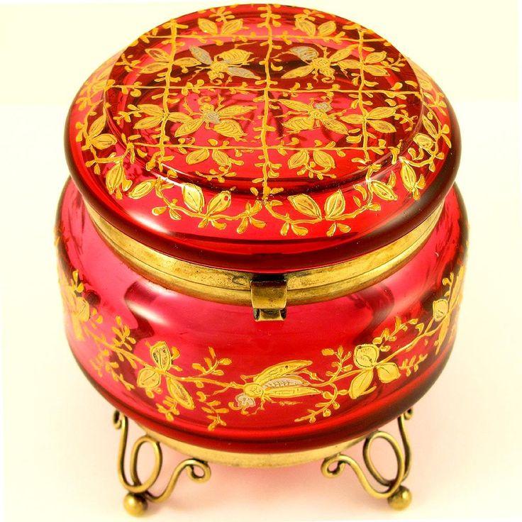 Античный чешские клюквы ларца Ювелирные изделия / Box Поднятый Эмаль c.19th века